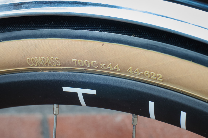 Compass Snoqualmie Pass 44mm tires